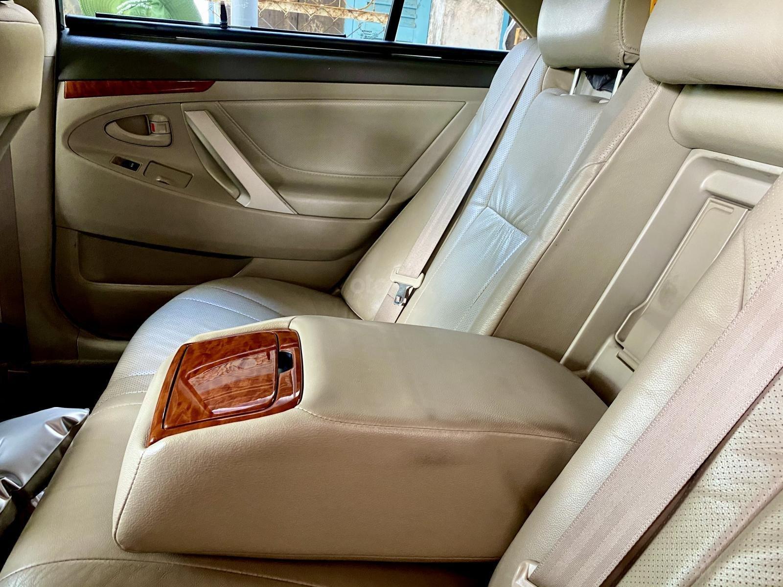 Nhu cầu đổi SUV cần bán Camry 2,4G, 2012 hoàn hảo (7)