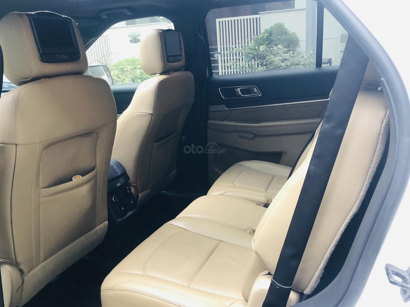 Bán chiếc Ford Explorer sản xuất 2016 một chủ từ đầu (8)