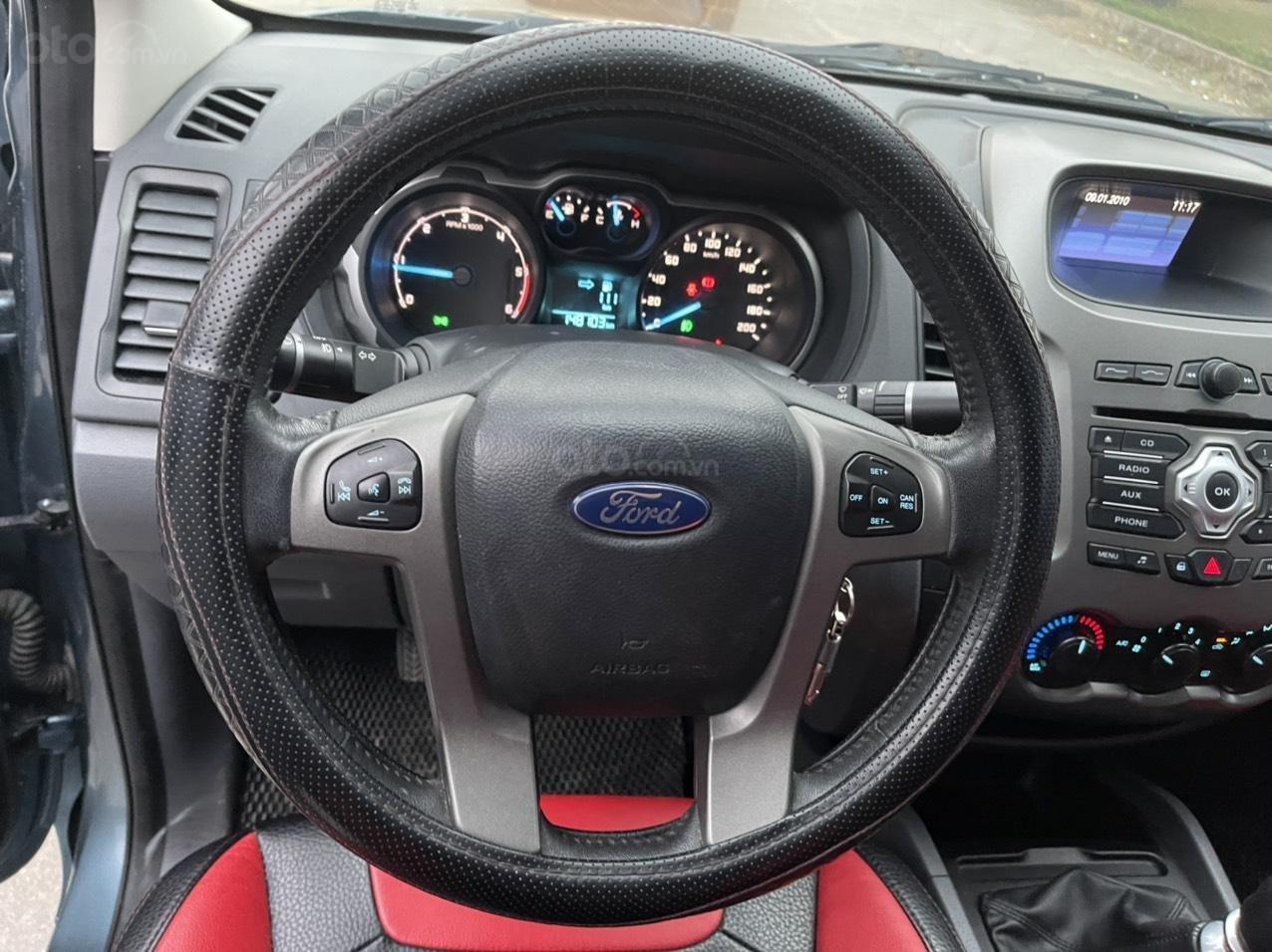 Ford Ranger XLT số sàn 2 cầu sx 2014, giá 456tr (8)