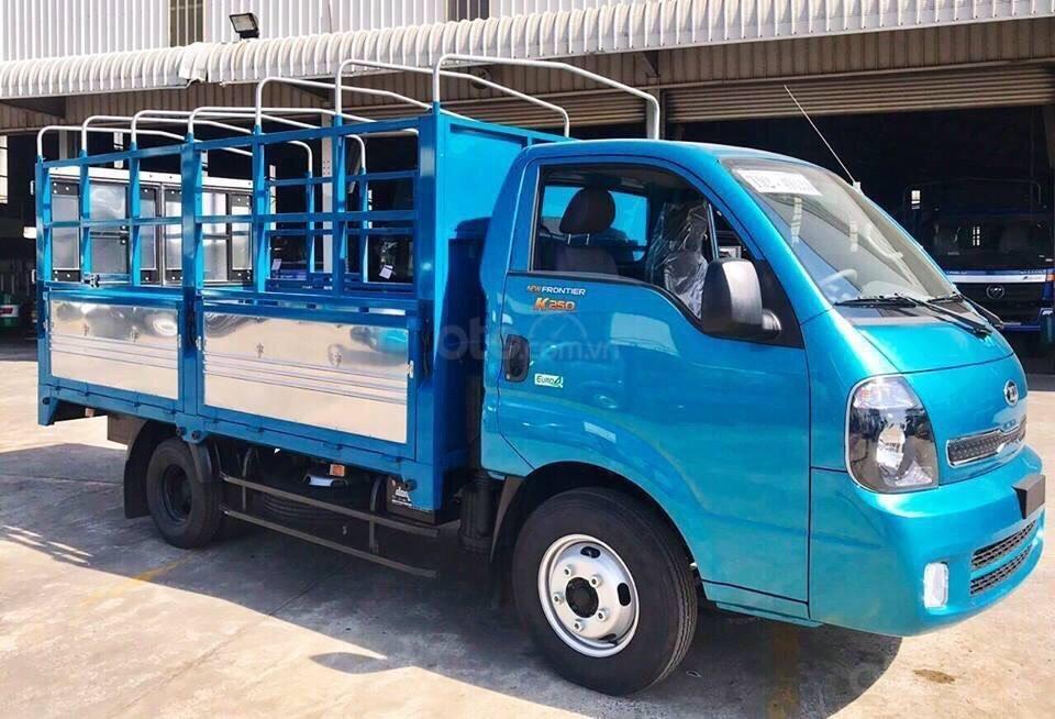 Xe tải Kia 2.49 tấn Thaco Kia K250 thùng mui bạt 5 bửng mới, trả góp 75% (4)
