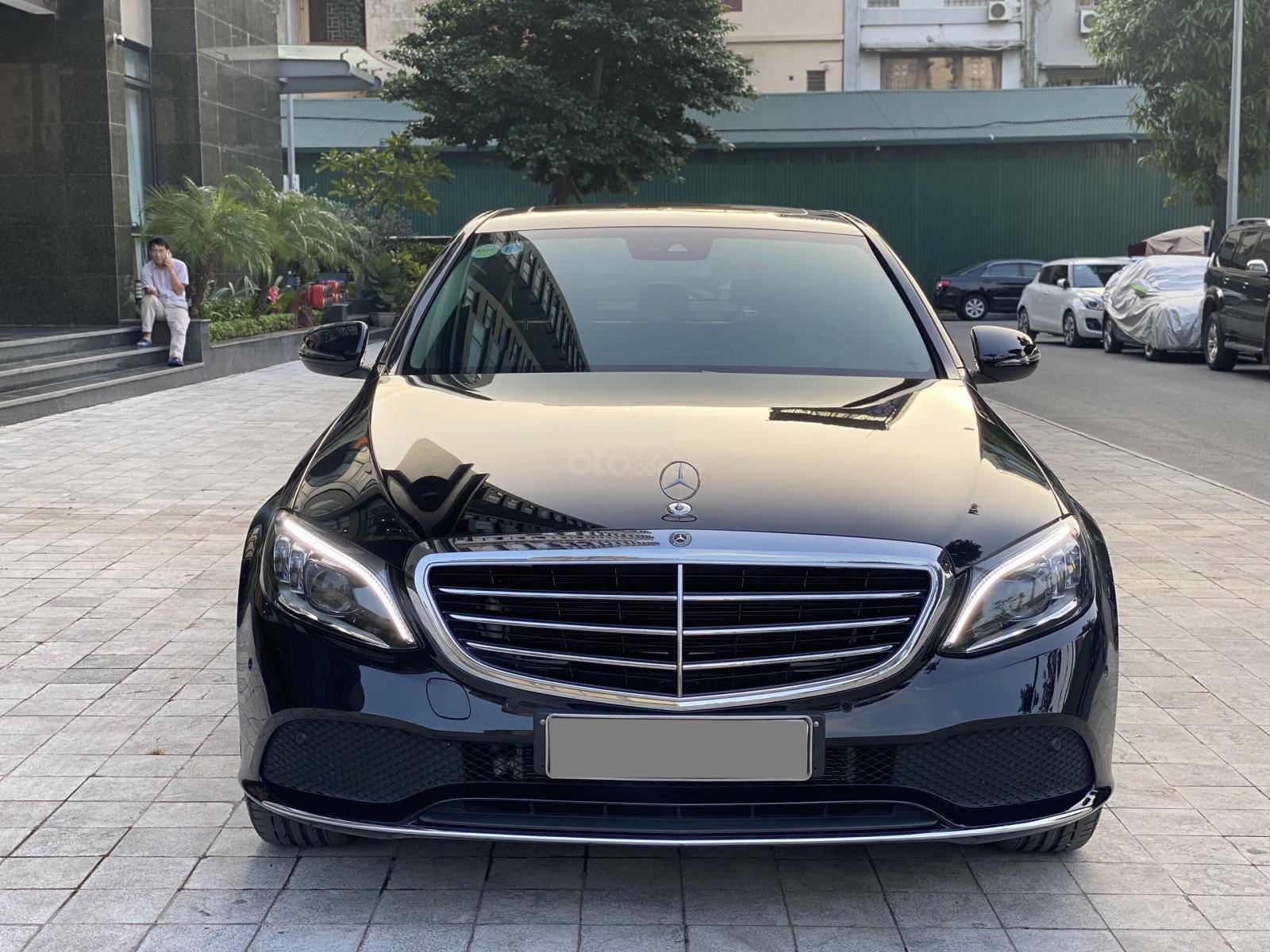 Mercedes C200 Exclusive 2019 1.5L màu đen sang trọng, biển Hà Nội, full option cực kỳ mới (1)