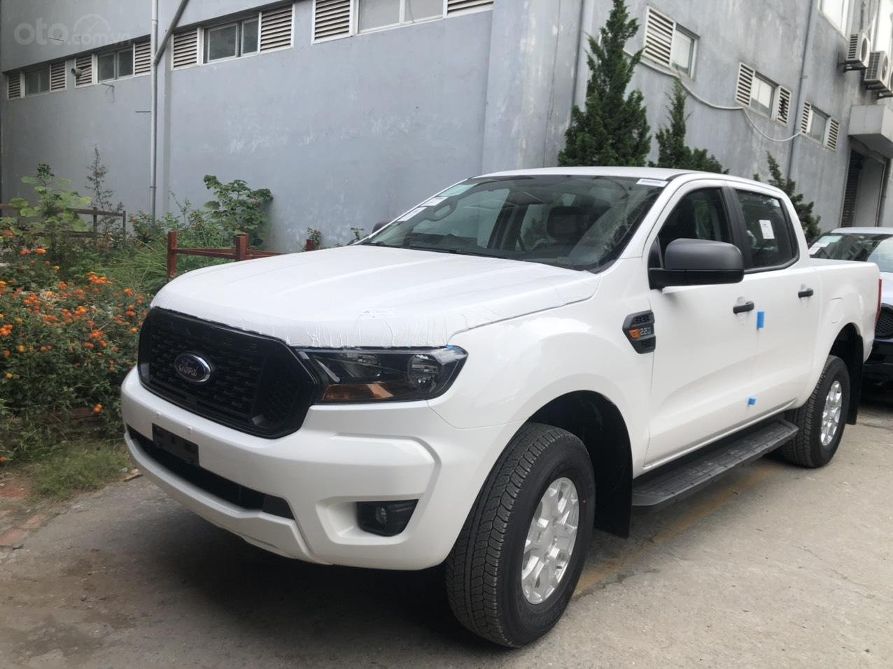 Ranger XLS AT giá tốt nhất thị trường miền Bắc, giao xe trước tết (1)