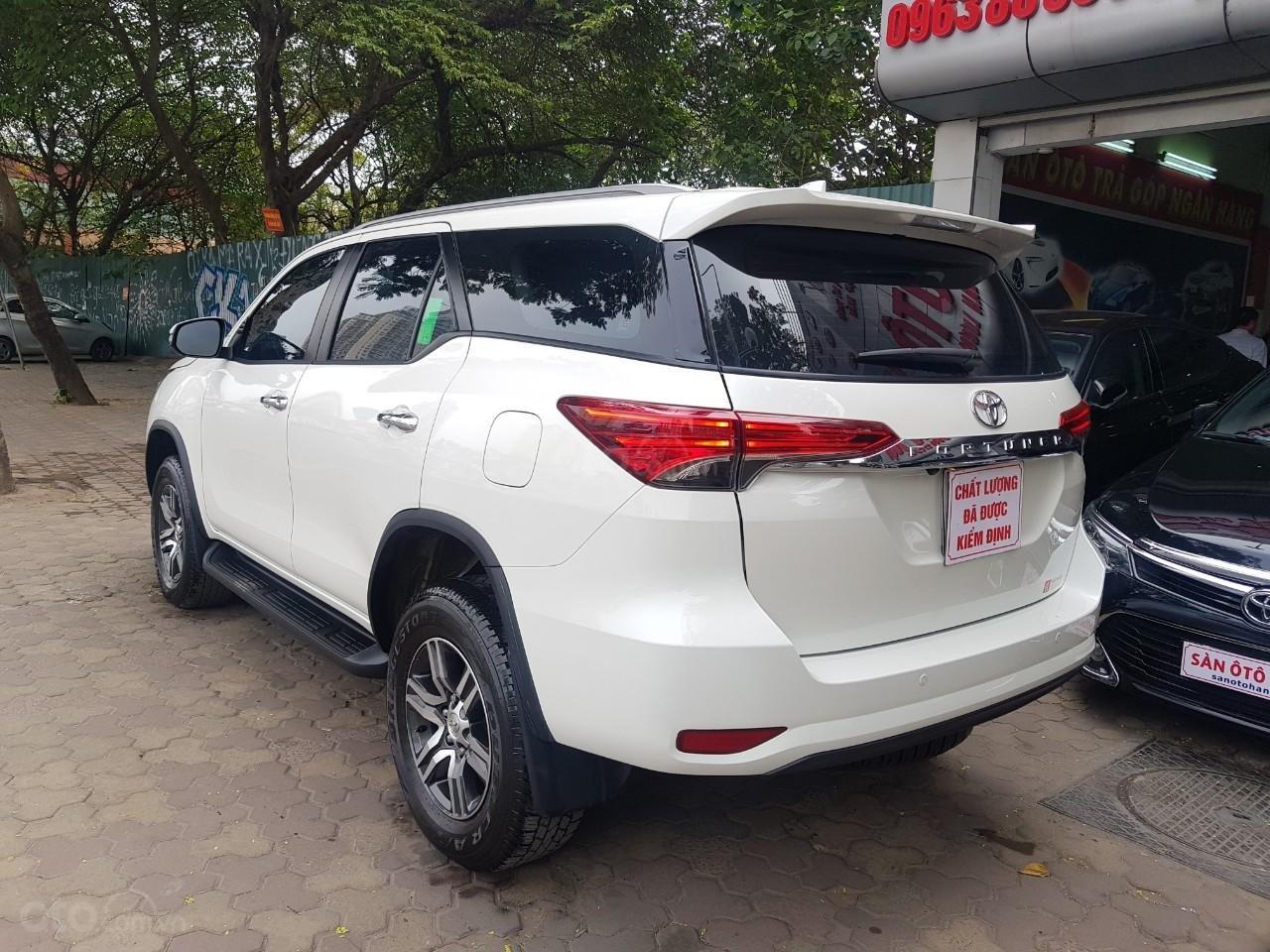 Toyota Fortuner 2.4 máy dầu màu trắng sx 2020 xe một chủ từ đầu đi hơn 10.000km (2)
