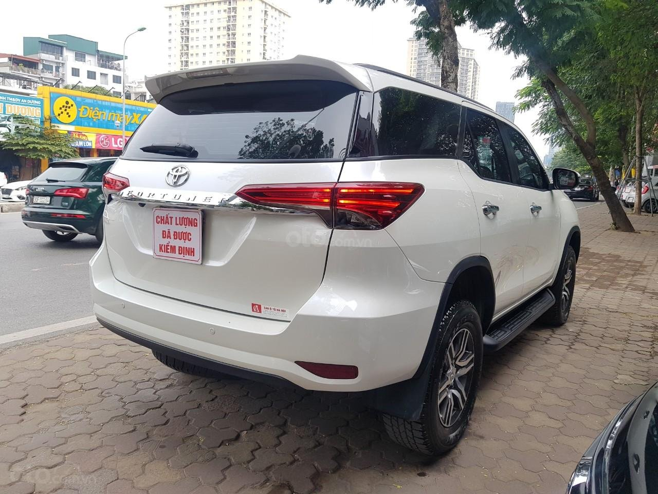 Toyota Fortuner 2.4 máy dầu màu trắng sx 2020 xe một chủ từ đầu đi hơn 10.000km (3)