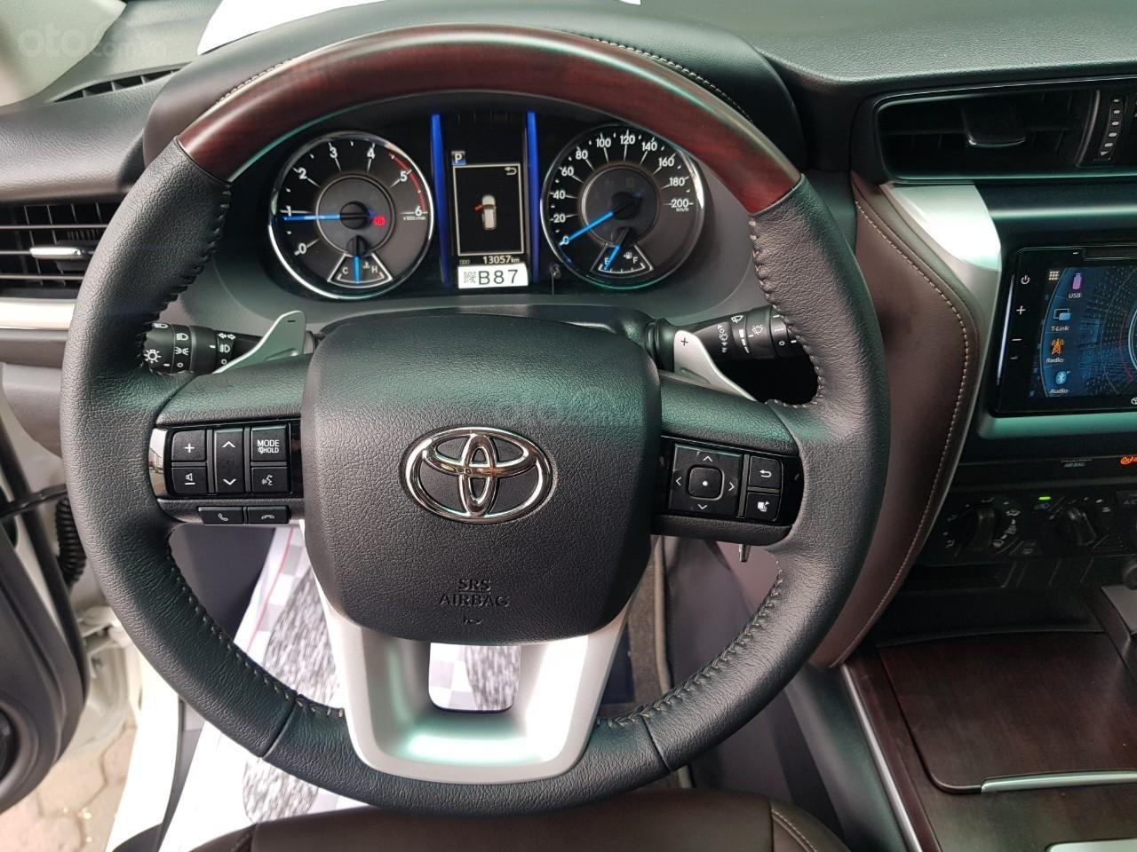 Toyota Fortuner 2.4 máy dầu màu trắng sx 2020 xe một chủ từ đầu đi hơn 10.000km (10)
