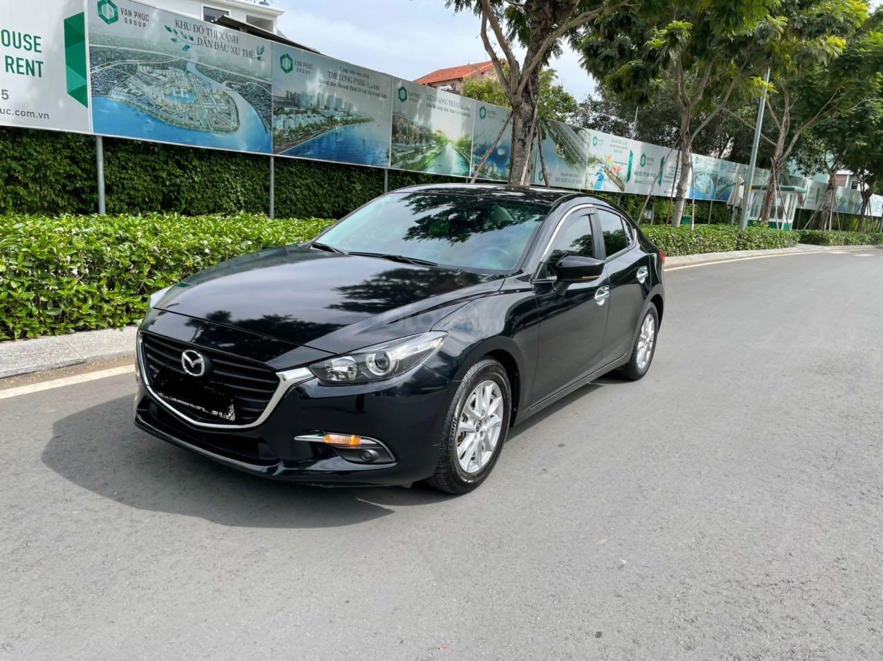 Cần bán xe Mazda 3 sản xuất 2018, màu đen xe gia đình giá chỉ 599 triệu đồng (3)