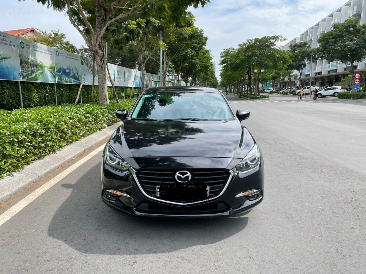 Cần bán xe Mazda 3 sản xuất 2018, màu đen xe gia đình giá chỉ 599 triệu đồng (2)
