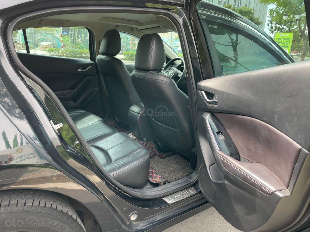 Cần bán xe Mazda 3 sản xuất 2018, màu đen xe gia đình giá chỉ 599 triệu đồng (12)