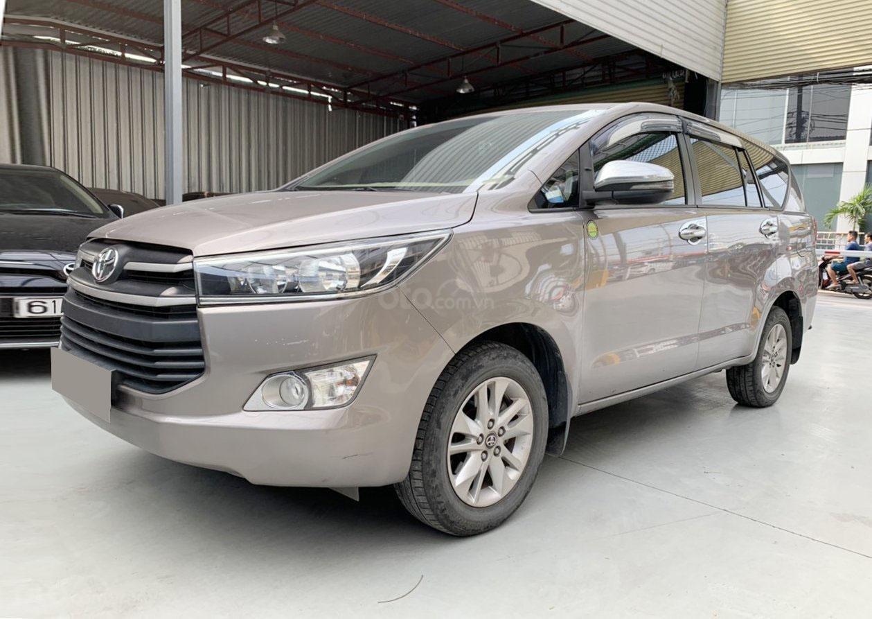 Bán xe Toyota Innova MT 2019 biển Sài Gòn (2)