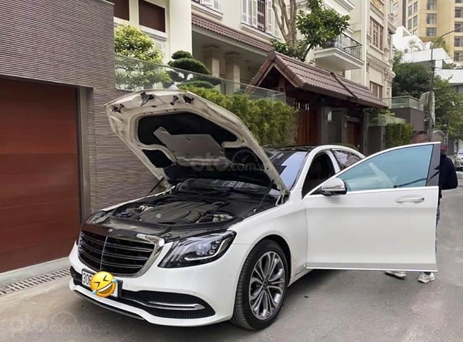 Bán Mercedes S class năm 2019, màu trắng còn mới (2)