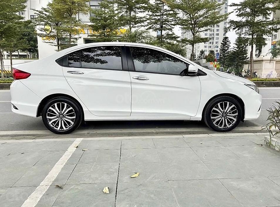 Cần bán Honda City sản xuất 2018, màu trắng còn mới (1)