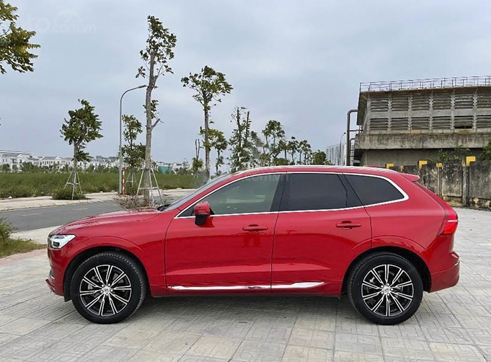 Cần bán lại xe Volvo XC60 năm 2017, màu đỏ, xe nhập còn mới (1)