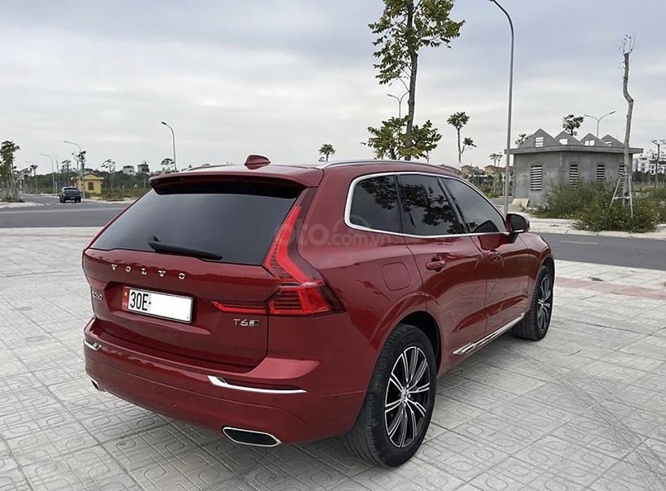 Cần bán lại xe Volvo XC60 năm 2017, màu đỏ, xe nhập còn mới (3)