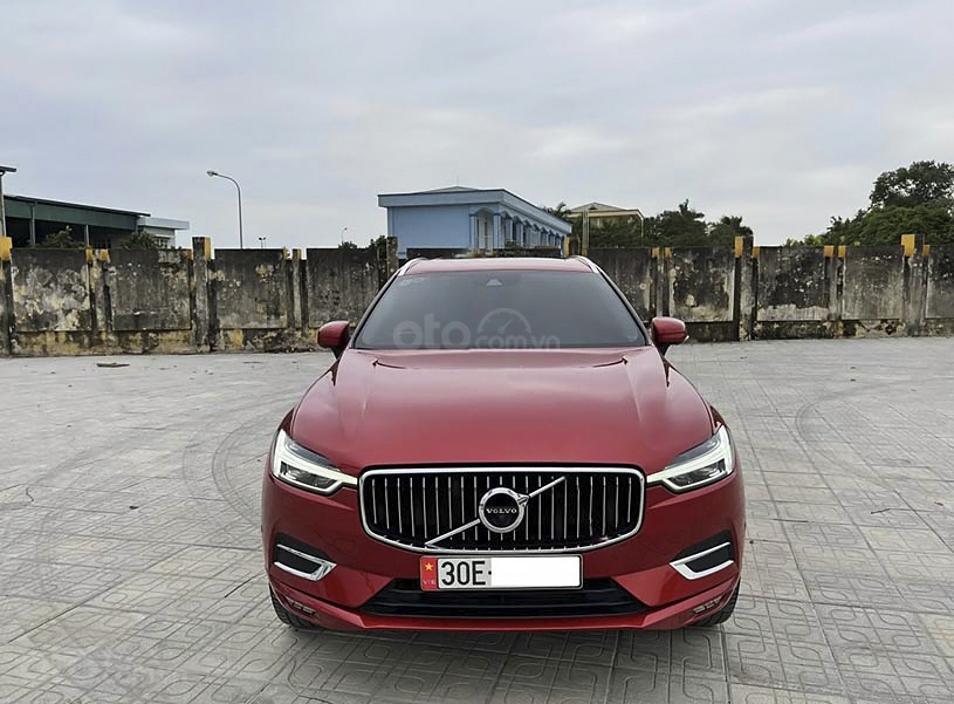 Cần bán lại xe Volvo XC60 năm 2017, màu đỏ, xe nhập còn mới (2)