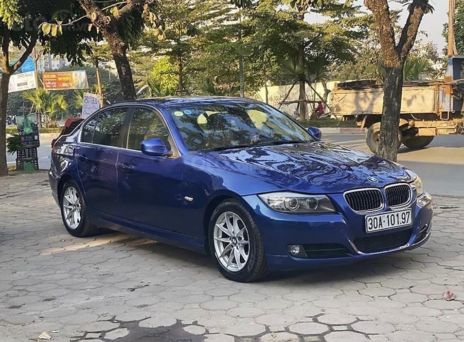 Bán BMW 3 Series năm sản xuất 2009, màu xanh lam, xe nhập còn mới, giá chỉ 420 triệu (1)