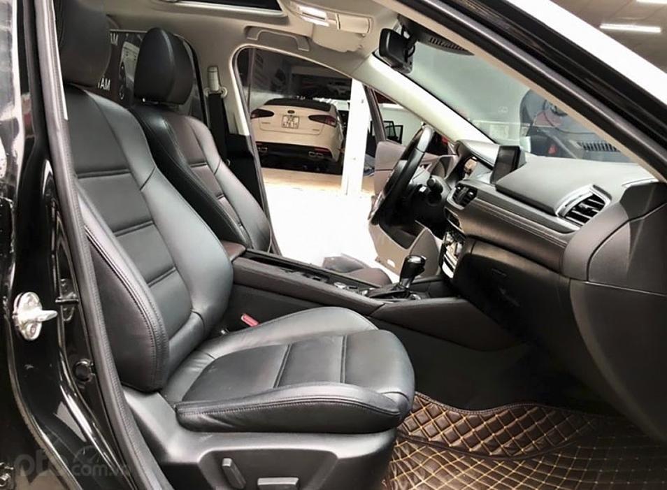 Bán Mazda 6 năm 2018, màu đen còn mới (2)