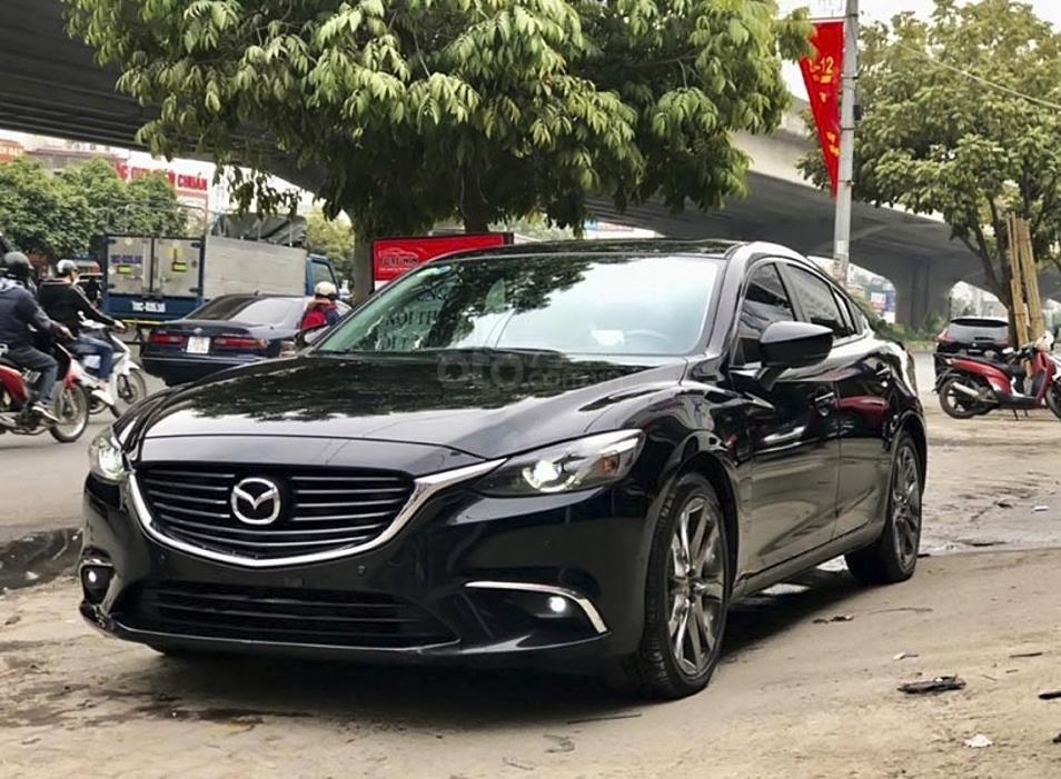 Bán Mazda 6 năm 2018, màu đen còn mới (1)