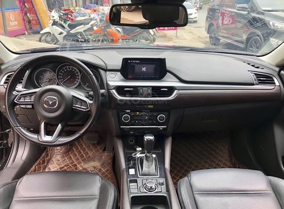 Bán Mazda 6 năm 2018, màu đen còn mới (6)