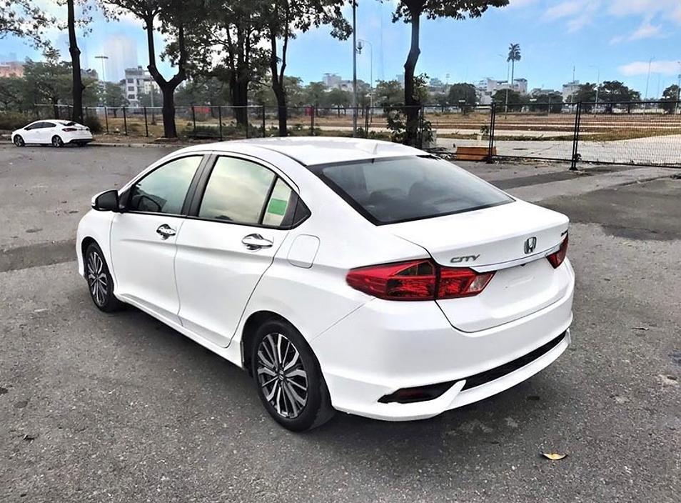 Bán Honda City năm sản xuất 2018, màu trắng còn mới giá cạnh tranh (3)