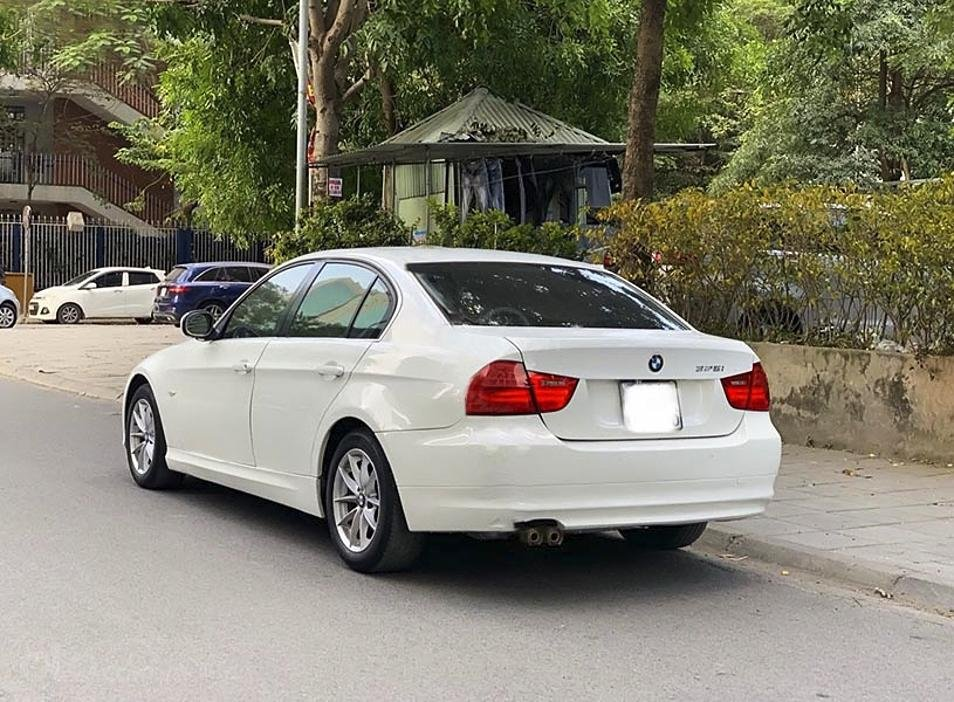 Xe BMW 3 Series sản xuất năm 2009, màu trắng, nhập khẩu còn mới (3)