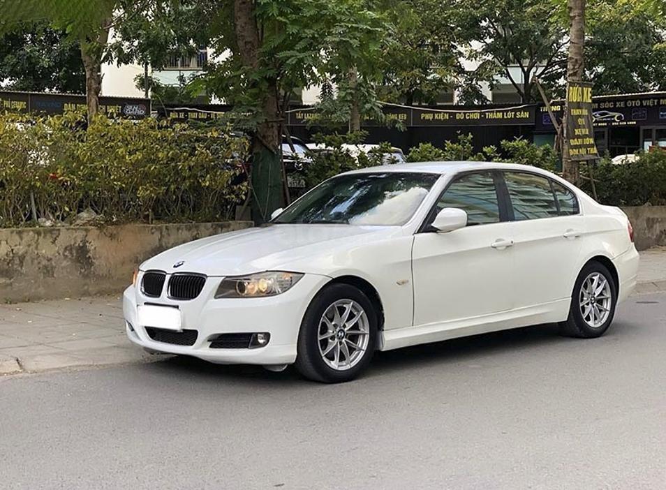 Xe BMW 3 Series sản xuất năm 2009, màu trắng, nhập khẩu còn mới (5)