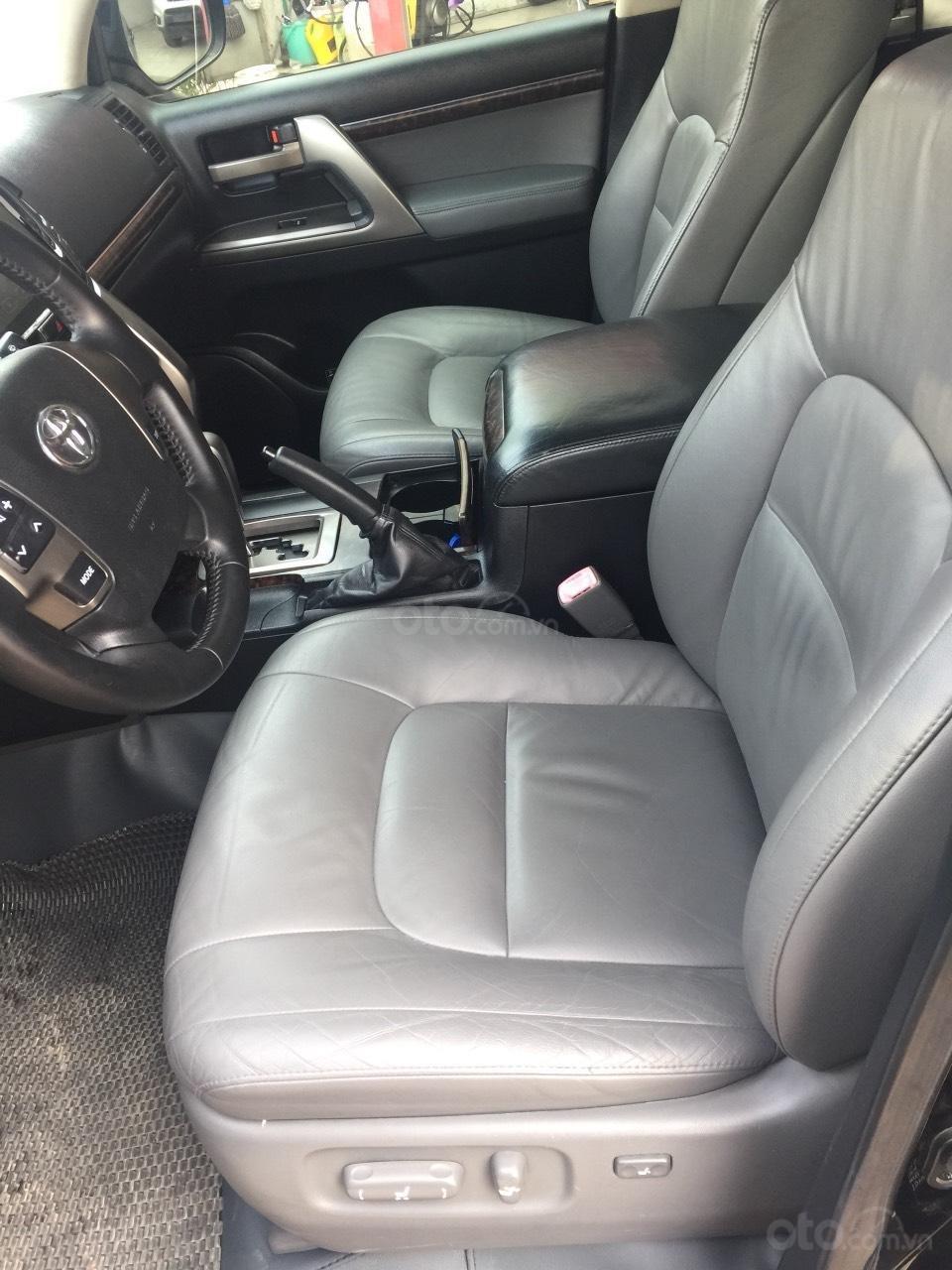 Bán Toyota Land Cruiser VX sản xuất 2008, màu đen nhập khẩu Nhật Bản, xe zin từ trong ra ngoài (7)