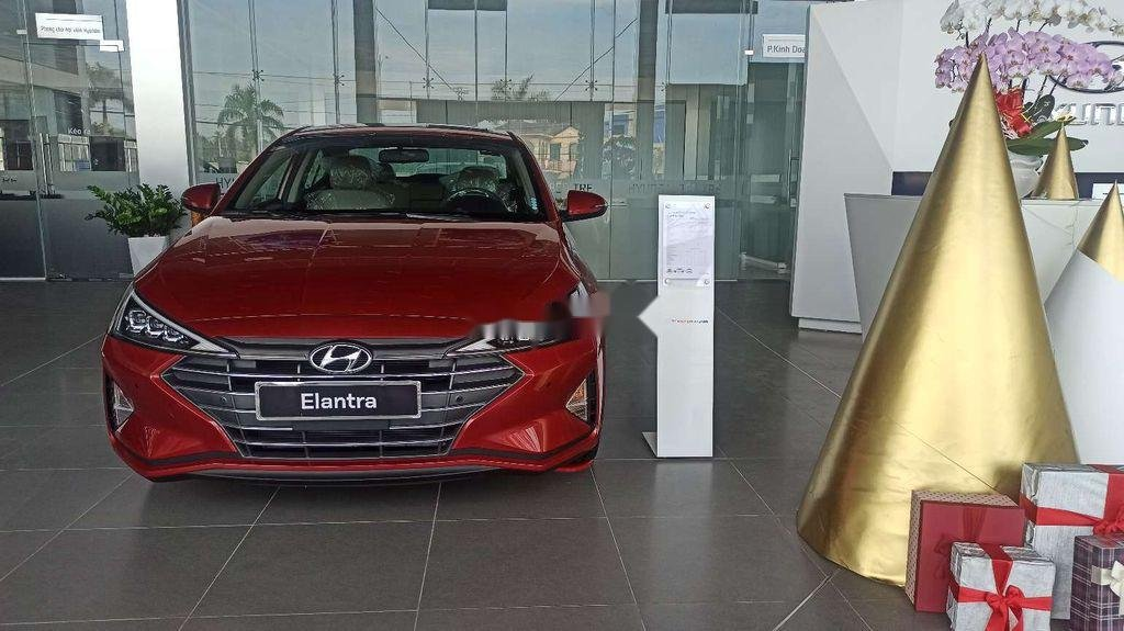 Bán xe Hyundai Elantra 2.0 AT sản xuất 2020, xe nhập, 699tr (1)