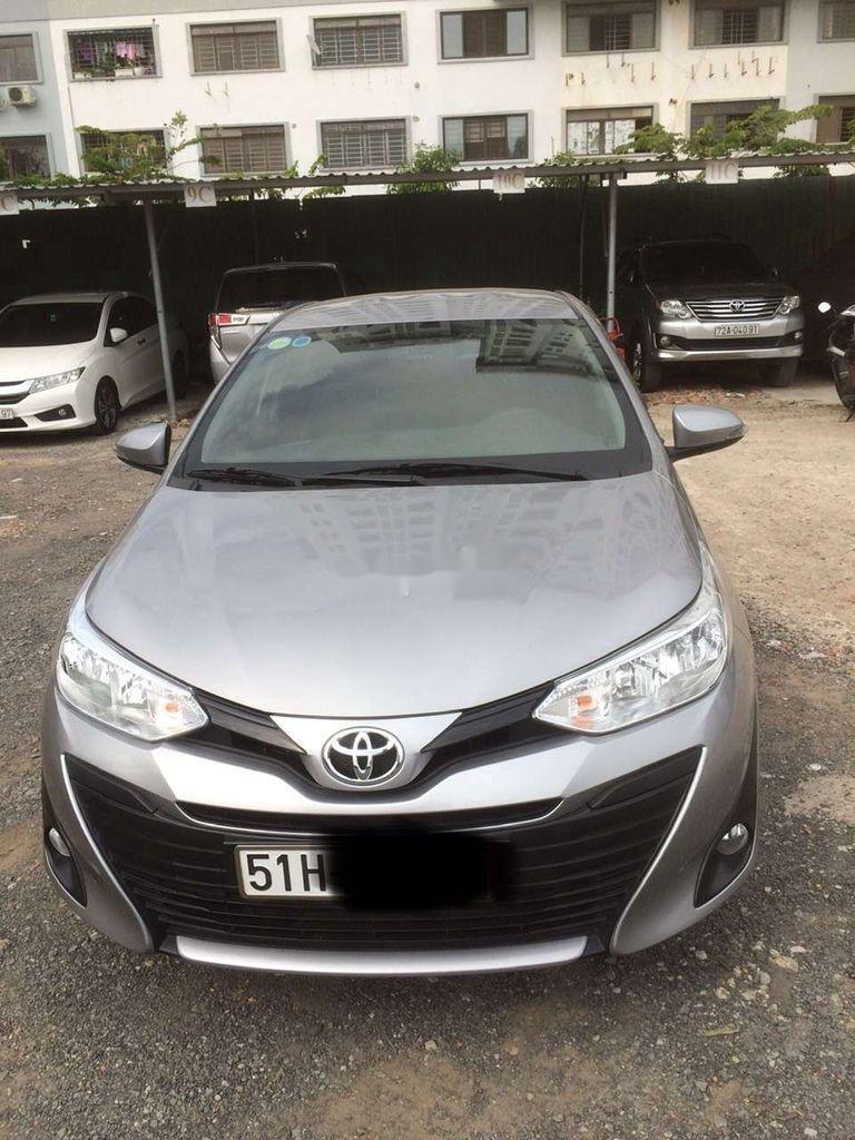 Bán xe Toyota Vios 2020, màu bạc (1)