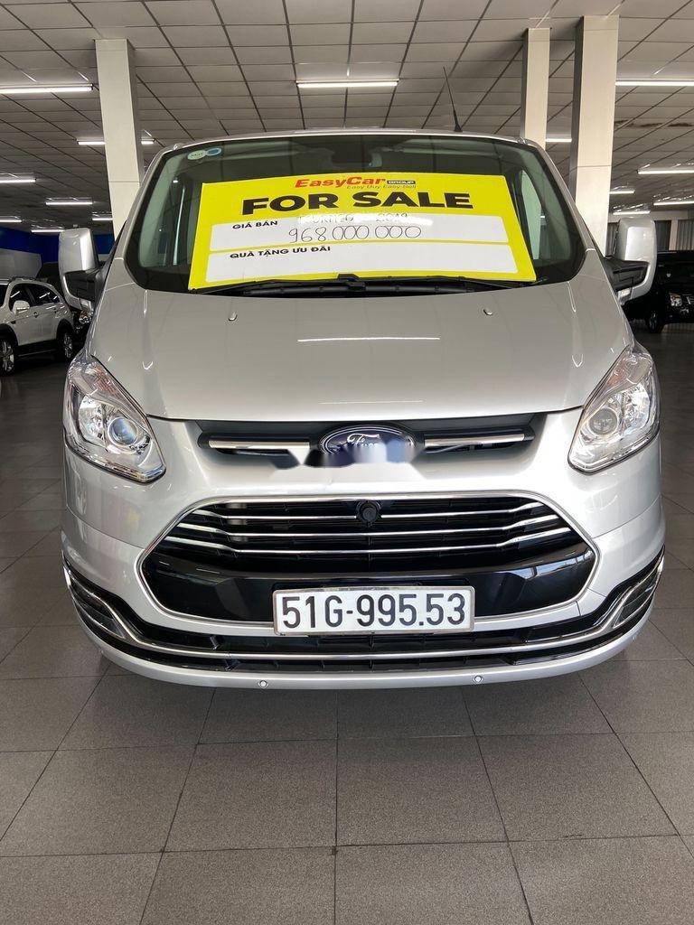 Cần bán xe Ford Tourneo năm 2019 còn mới (1)