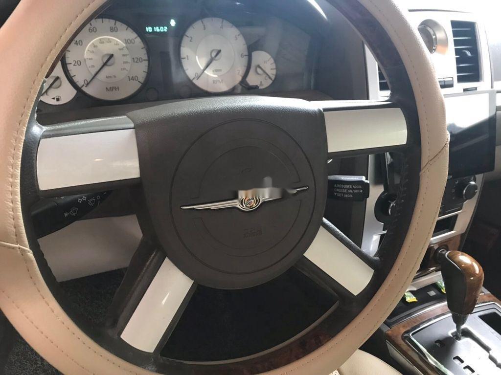 Xe Chrysler 300C sản xuất 2008, nhập khẩu nguyên chiếc còn mới (7)