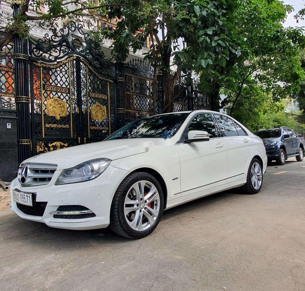 Cần bán gấp Mercedes C230 sản xuất năm 2011, xe nhập, 510 triệu (2)