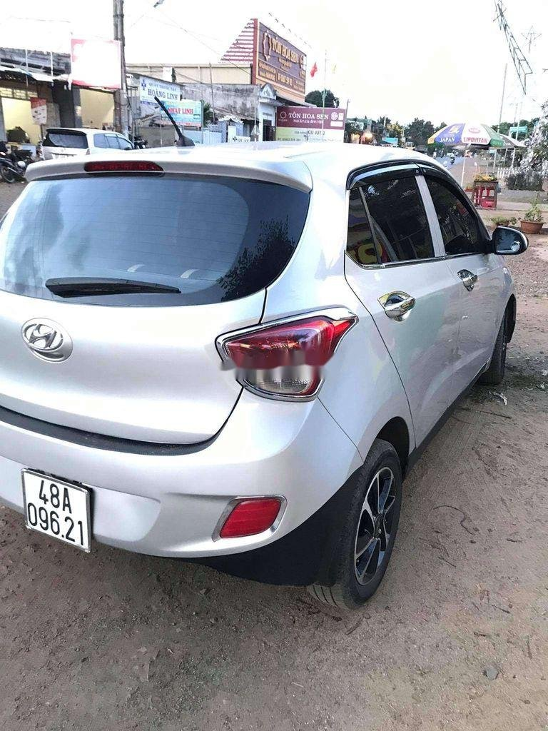Bán Hyundai Grand i10 sản xuất 2016, màu bạc, nhập khẩu nguyên chiếc (3)