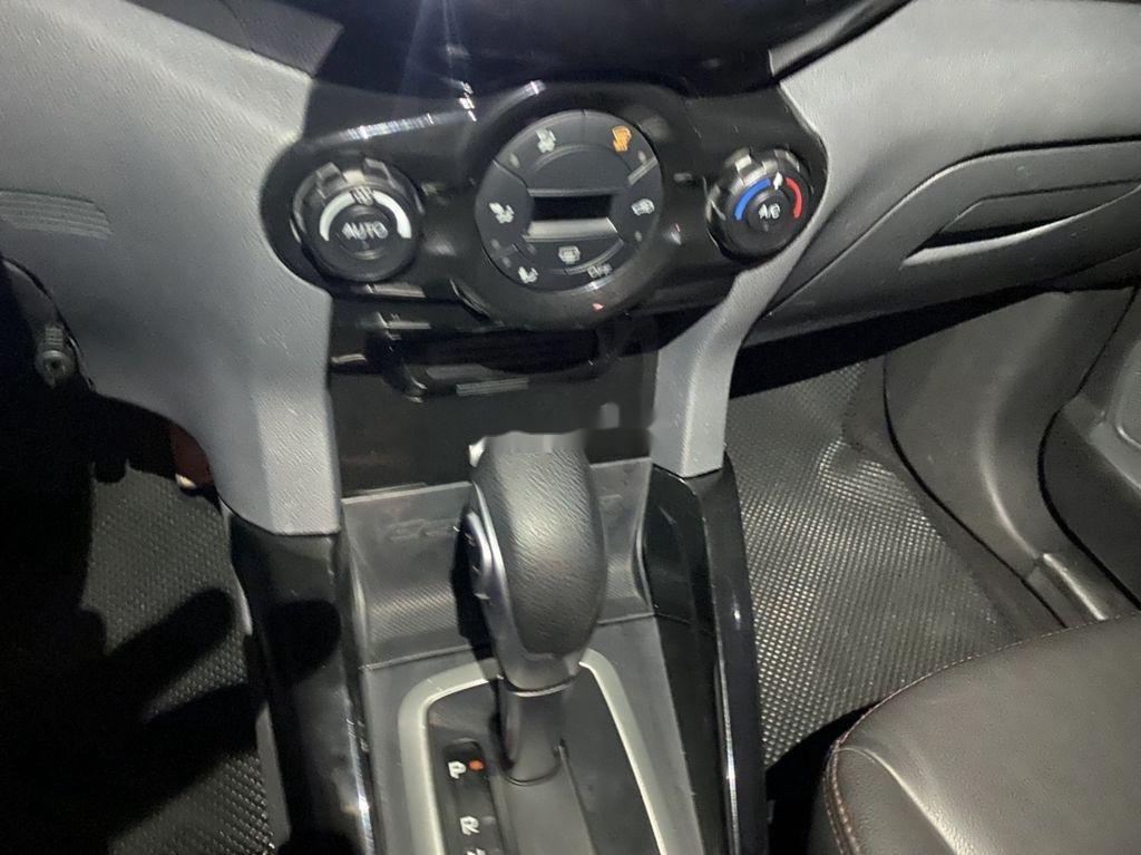 Cần bán gấp Ford EcoSport sản xuất năm 2017 còn mới, giá chỉ 499 triệu (5)