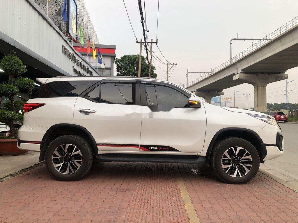 Bán Toyota Fortuner TRD sản xuất năm 2019 (6)