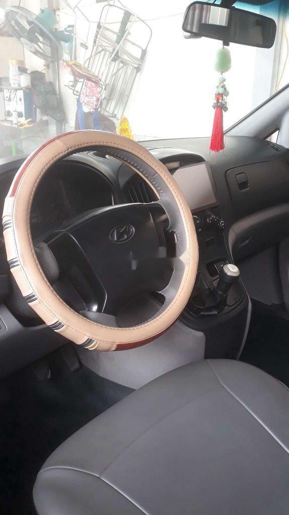 Cần bán lại xe Hyundai Grand Starex năm sản xuất 2009, xe nhập còn mới (2)