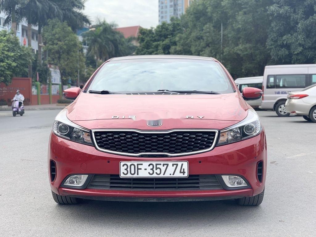 Cần bán Kia Cerato sản xuất 2018, màu đỏ, 570 triệu (1)