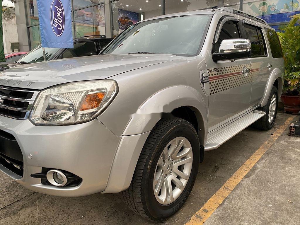 Cần bán xe Ford Everest đời 2013, màu bạc, nhập khẩu (1)