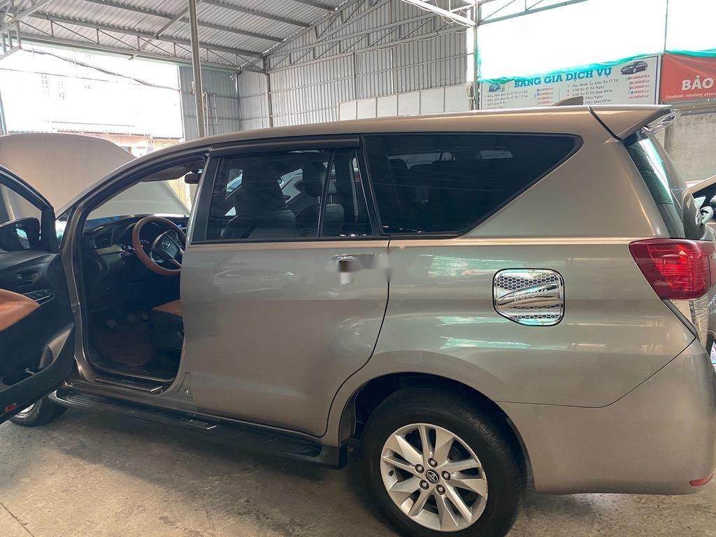 Bán Toyota Innova năm sản xuất 2017 còn mới (3)