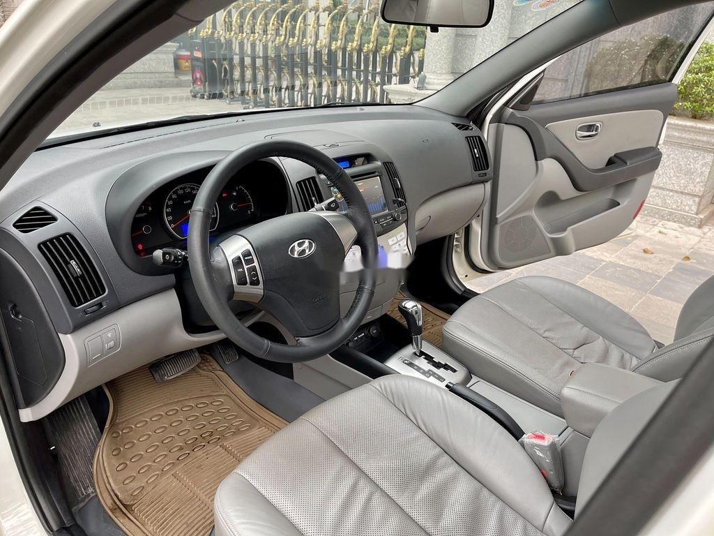Bán ô tô Hyundai Avante sản xuất năm 2012, xe một đời chủ giá mềm (6)