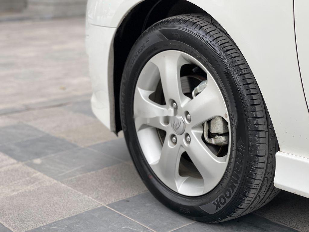 Bán ô tô Hyundai Avante sản xuất năm 2012, xe một đời chủ giá mềm (5)