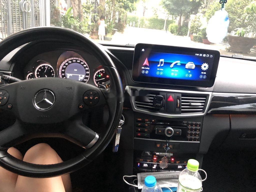 Bán xe Mercedes E class sản xuất 2011 còn mới, 900tr (8)