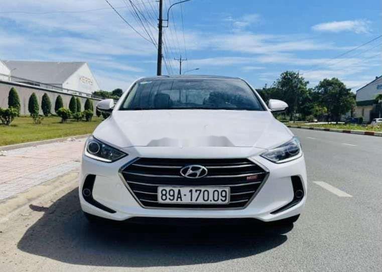 Bán xe Hyundai Elantra sản xuất 2019, xe chính chủ còn mới (1)