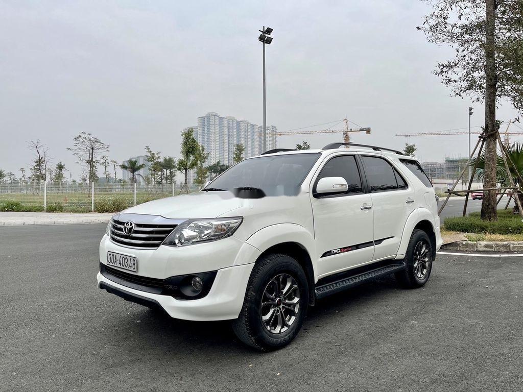 Cần bán xe Toyota Fortuner Sportivo TRD năm sản xuất 2014 (1)