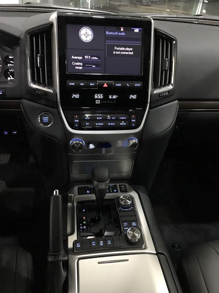 Toyota Land Cruiser V8 đời 2021 khẳng định đẳng cấp (5)