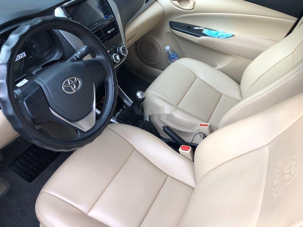 Cần bán xe Toyota Vios năm 2019, màu vàng, 440tr (6)