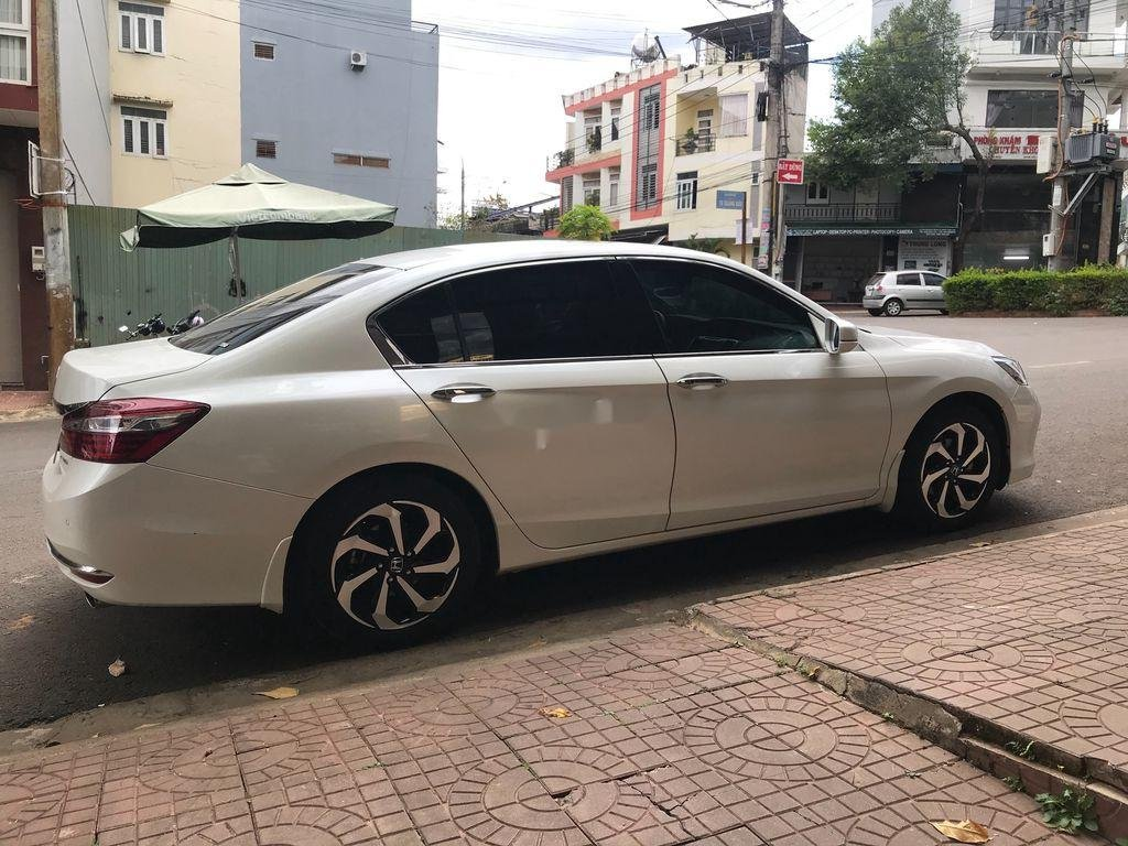 Bán Honda Accord năm 2018, nhập khẩu nguyên chiếc còn mới, 945tr (1)