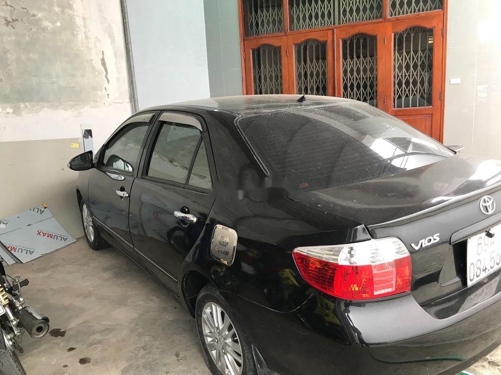 Cần bán Toyota Vios năm sản xuất 2005, nhập khẩu còn mới (1)