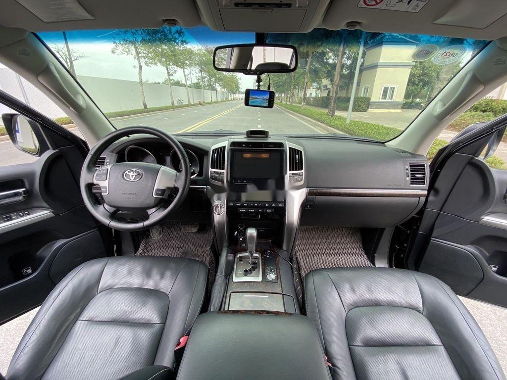Bán Toyota Land Cruiser đời 2015, màu đen, nhập khẩu (12)