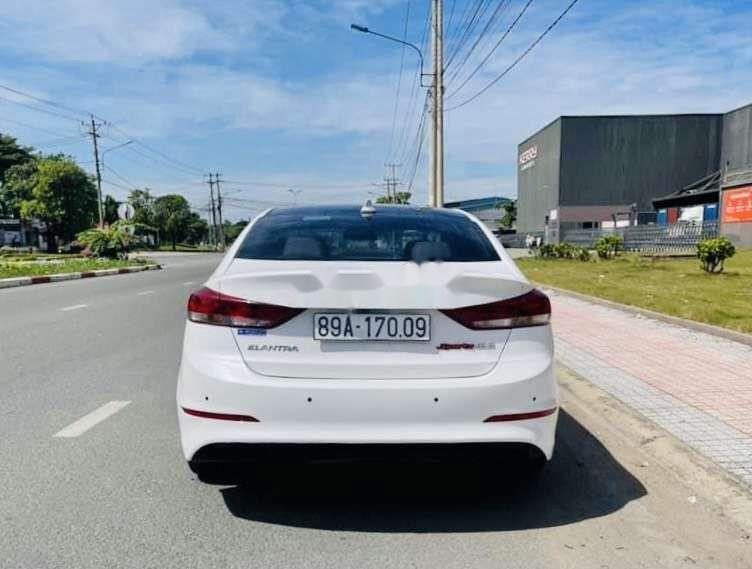 Bán xe Hyundai Elantra sản xuất 2019, xe chính chủ còn mới (5)