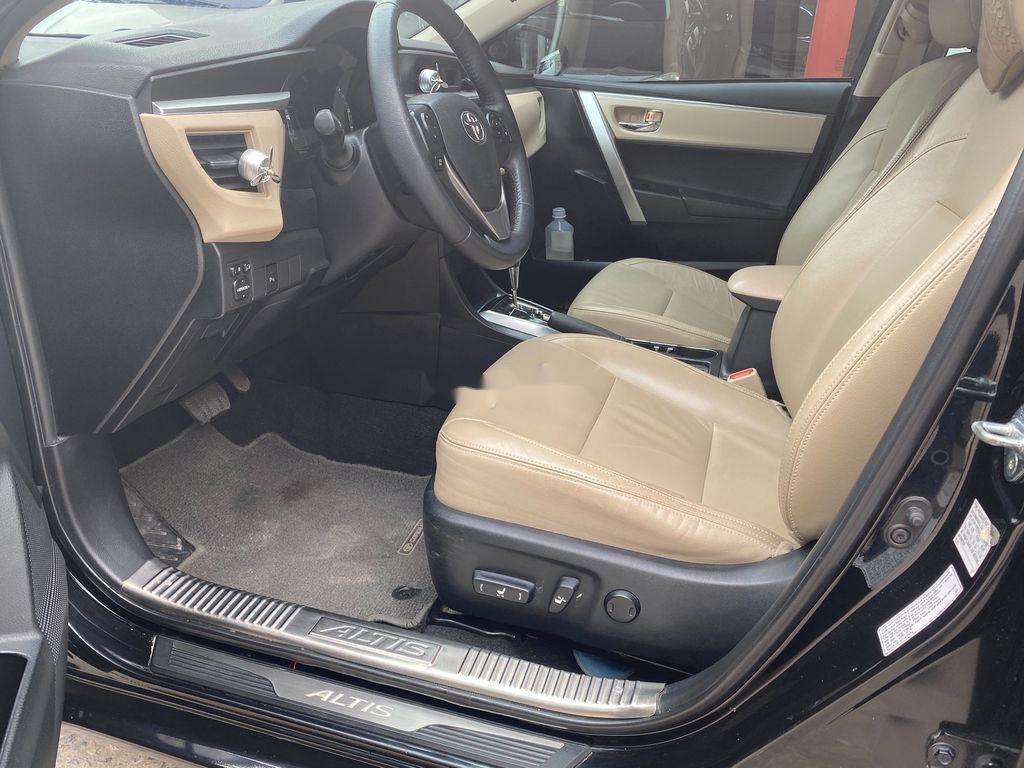 Bán Toyota Corolla Altis sản xuất năm 2016 như mới (7)